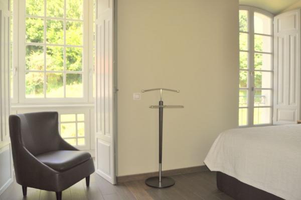 Dormitorio con balcones Casa Solita